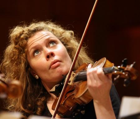 Minna Pensola, Violine