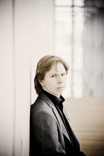 Juho Pohjonen, Klavier