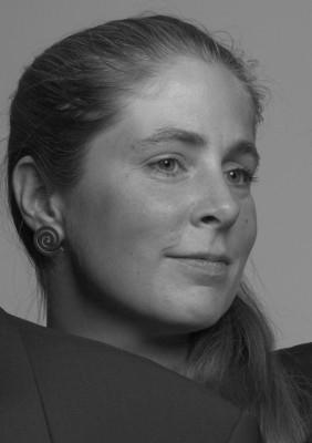 Isabel Charisius, Viola