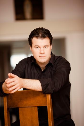 Henri Sigfridsson, Klavier