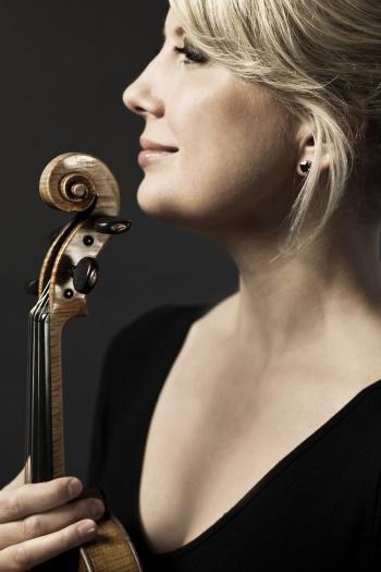 Elina Vähälä, Violine