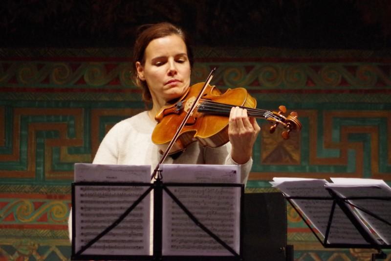 20.09.2015 - Proben: Béatrice Muthelet (Viola), (Foto: Christine Tröger)