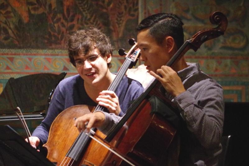 Proben 19.09.2016 - Victor Julien-Laferrière (Violoncello) und Trey Lee (Violoncello) (Foto: Christine Tröger)