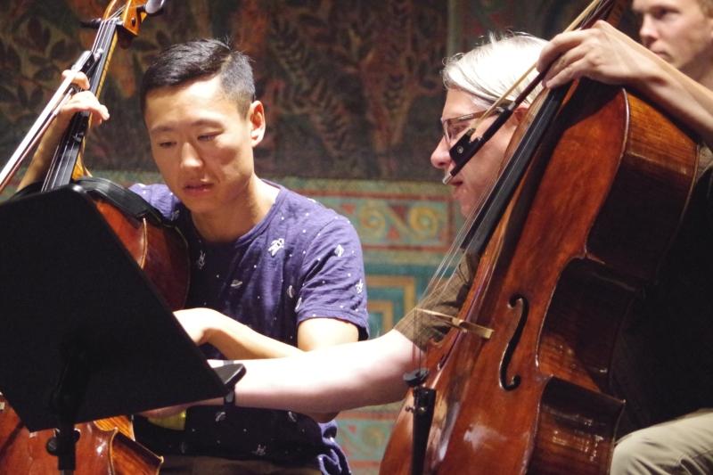Proben 19.09.2016 - Trey Lee (Violoncello) und Peter Bruns (Violoncello) (Foto: Christine Tröger)