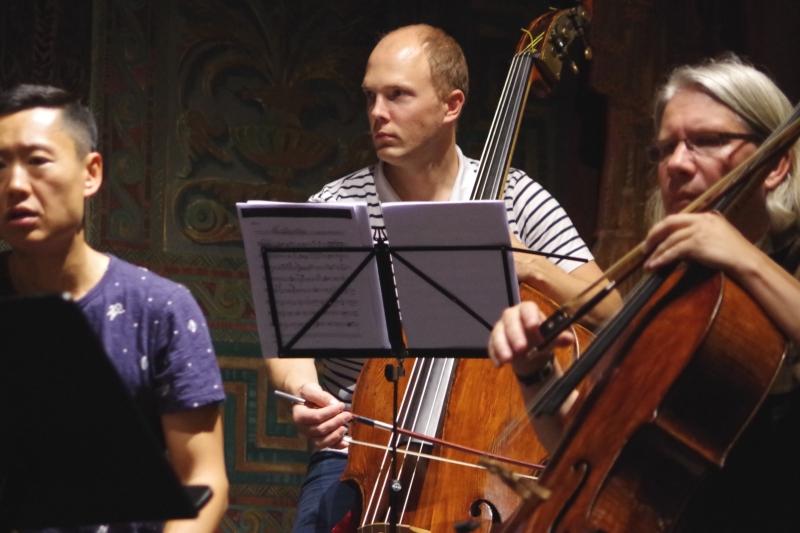 Proben 19.09.2016 - Trey Lee (Violoncello), Gunars Upatnieks (Kontrabass) und Peter Bruns (Violoncello) (Foto: Christine Tröger)