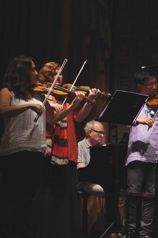 Proben 19.09.2016 - Eszter Haffner (Violine), Natalia Prishepenko (Violine), Bengt Forsberg (Klavier) und Dan Zhu (Violine) (Foto: Christine Tröger)