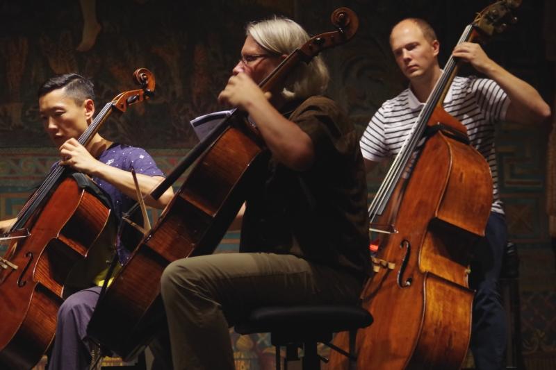 Proben 19.09.2016 - Trey Lee (Violoncello), Peter Bruns (Violoncello) und Gunars Upatnieks (Kontrabass) (Foto: Christine Tröger)