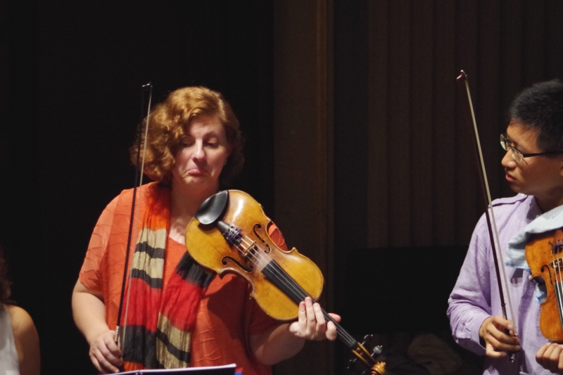 Proben 19.09.2016 - Natalia Prishepenko (Violine) und Dan Zhu (Violine) (Foto: Christine Tröger)