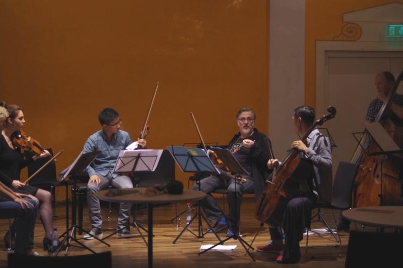 20.09.2016 - Proben: Nina Karmon (Violine), Dan Zhu (Violine), Vladimir Mendelssohn (Viola), Trey Lee (Violoncello) und Gunars Upatnieks (Kontrabass) (Foto: Christine Tröger)