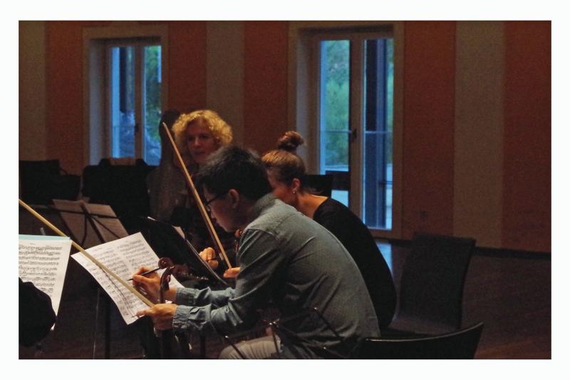 20.09.2016 - Proben: Anna Garzuly-Wahlgren (Flöte), Nina Karmon (Violine) und Dan Zhu (Violine) (Foto: Christine Tröger)
