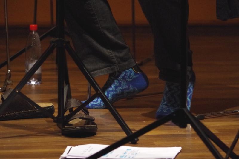 20.09.2016 - Proben: Behagliche Socken - Vladimir Mendelssohn (Viola) (Foto: Christine Tröger)