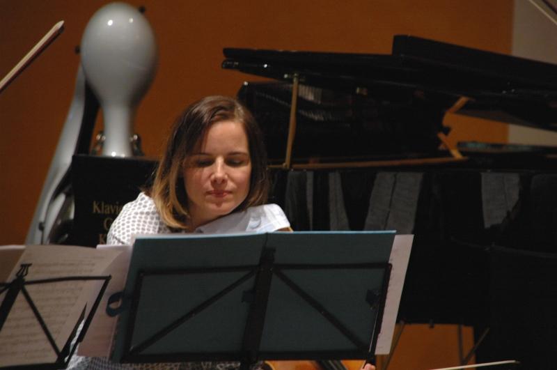 22.09.2016 - Proben: ... Béatrice Muthelet (Viola) ...  (Foto: Christine Tröger)