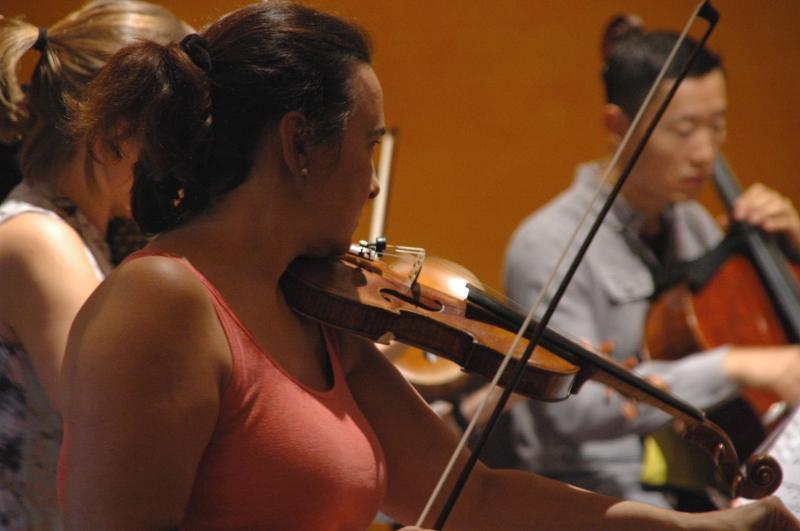 22.09.2016 - Proben: ... arbeiten sich in den Tango Nuevo »LastRound« von Osvaldo Golijov ein ... (Foto: Christine Tröger)