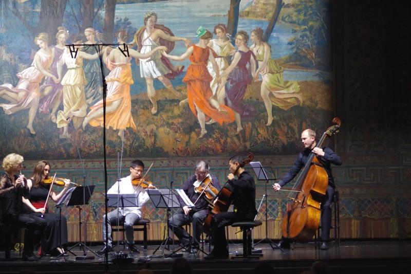 23.09.2016 - Konzert: Auftakt mit Arthur Foote Nocturne und Scherzo Flöte und Streichquintett - Anna Garzuly-Wahlgren (Flöte), Nina Karmon (Violine 1), Dan Zhu (Violine 2), Vladimir Mendelssohn (Viola), Trey Lee (Violoncello) und Gunars Upatnieks (Kontrabass). (Foto: Christine Tröger)
