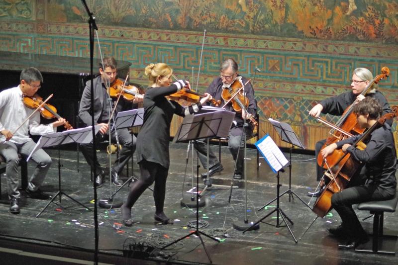 23.09.2016 - Konzert: Wieder ein Stück des Composer-in-Residence Derek Bermel. »Soul Garden« für Viola und Streichquintett ... (Foto: Christine Tröger)