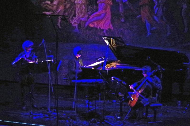 23.09.2016 - Konzert: ... von denen sich George Crumb zur Komposition »Vox Balaenae für drei maskierte Spieler« inspirieren ließ. (Foto: Christine Tröger)