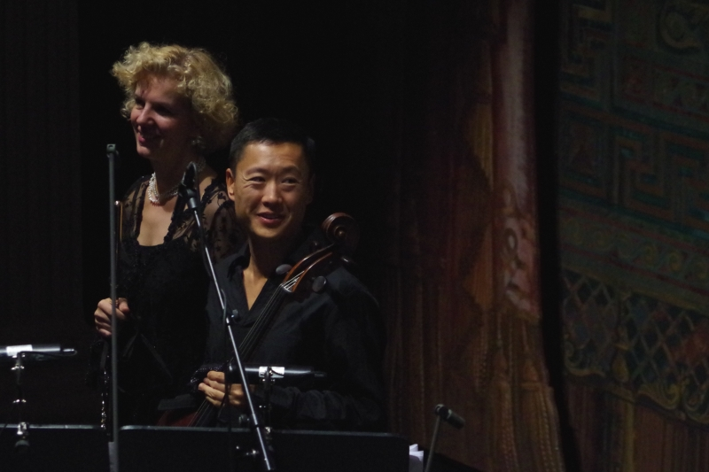 23.09.2016 - Konzert: ... ohne Maske wohler zu fühlen scheinen ... (Foto: Christine Tröger)