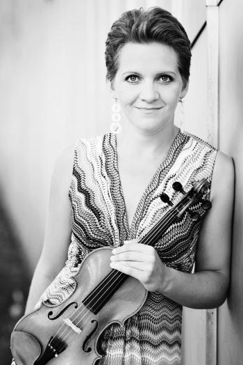 Vineta Sareika, Violine