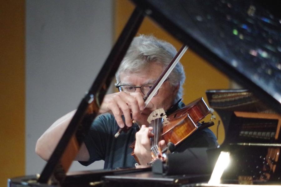 Samstag/Sonntag 23./24.09.2017 - Proben: Hariolf Schlichtig (Viola)  (Foto: Christine Tröger)