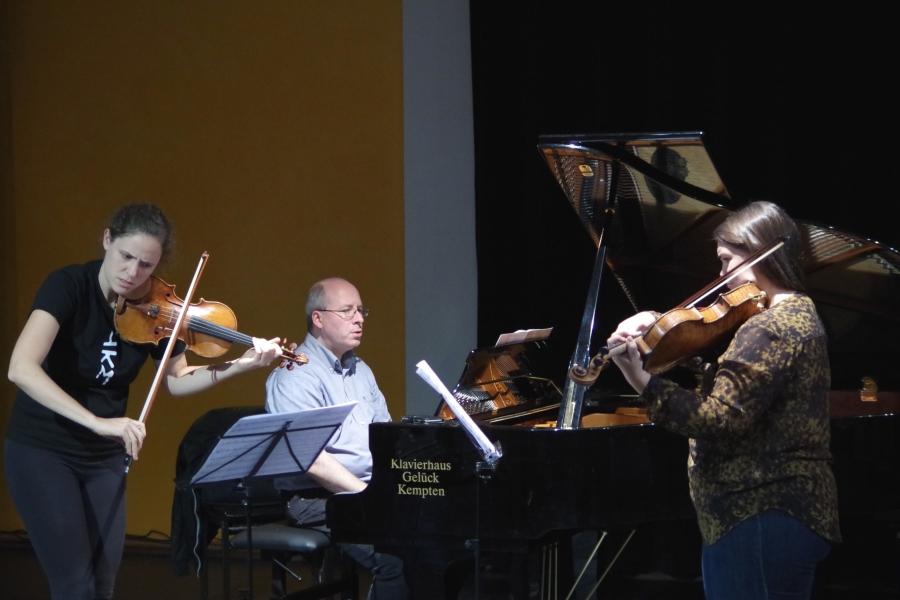 Samstag/Sonntag 23./24.09.2017 - Proben: ... Oliver Triendl (Klavier) und Jennifer Stumm (Viola) ... (Foto: Christine Tröger)