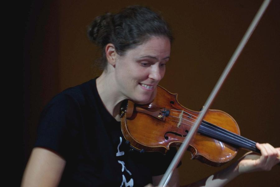 Samstag/Sonntag 23./24.09.2017 - Proben: ... Freude bei Nurit Stark (Violine) ...  (Foto: Christine Tröger)