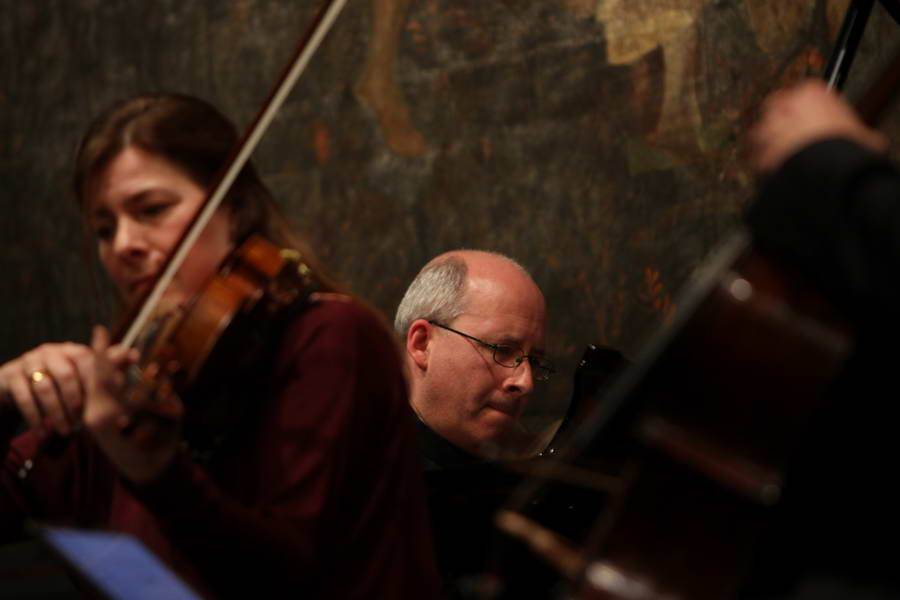 Eröffnungskonzert 24.09.2017: ... absolut konzentriert Elisabeth Kufferath (Viola) und Oliver Triendl (Klavier) ... (Foto: Achim Crispien)