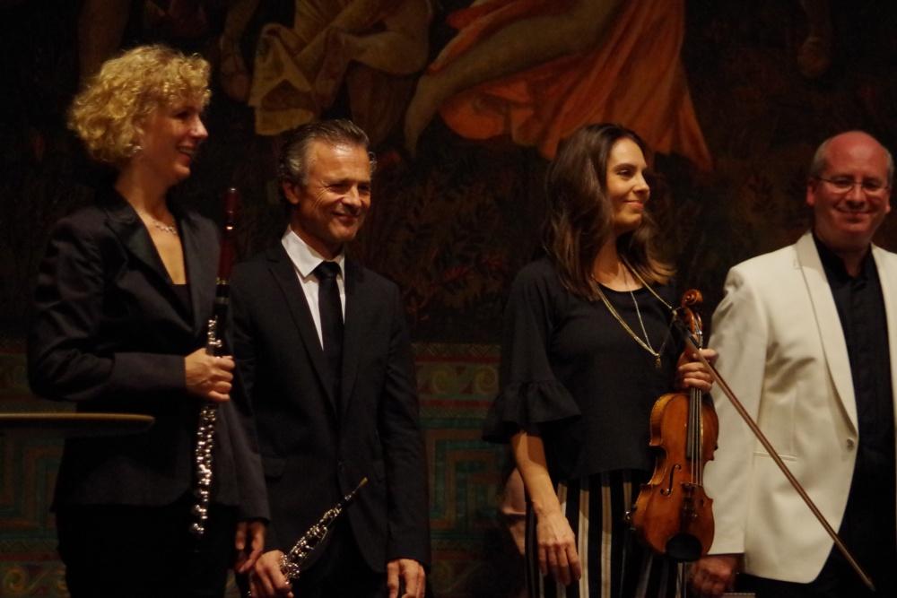 23.9.2018 - Konzert: ... und die Interpreten freuen sich. (Foto: Christine Tröger)