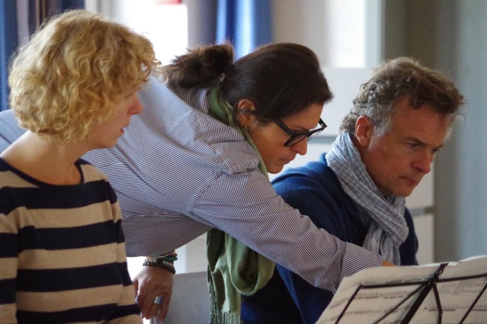 25.9.2018 – Proben: Ein rares Erlebnis, aber von großem Vorteil: Rat von der Komponistin selbst ... (Foto: Christine Tröger)