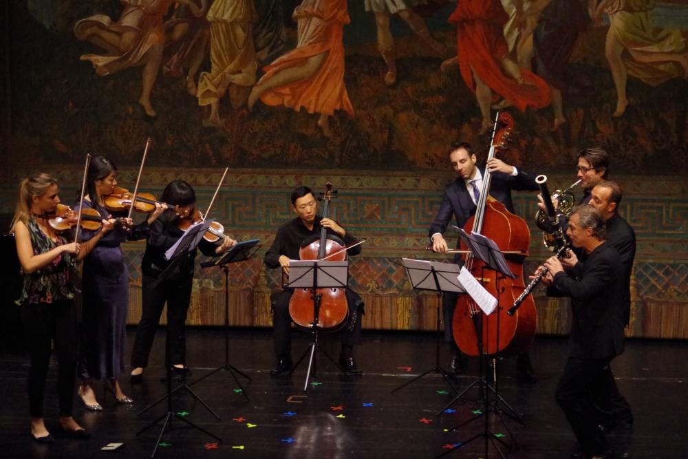 26.9.2018 – Konzert: ... und los gehts zusammen mit Trey Lee (Violoncello) und Olivier Thiery (Kontrabass) ... (Foto: Christine Tröger)