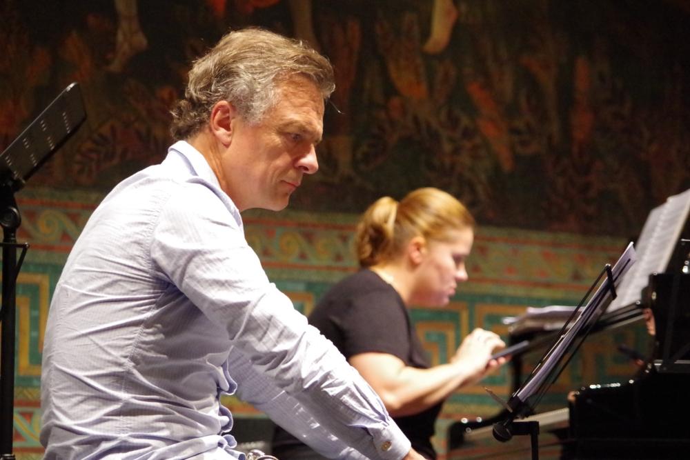 26.9.2018 – Proben: Olivier Doise (Oboe) und Lauma Skride (Klavier) machen sich Notizen ... (Foto: Christine Tröger)