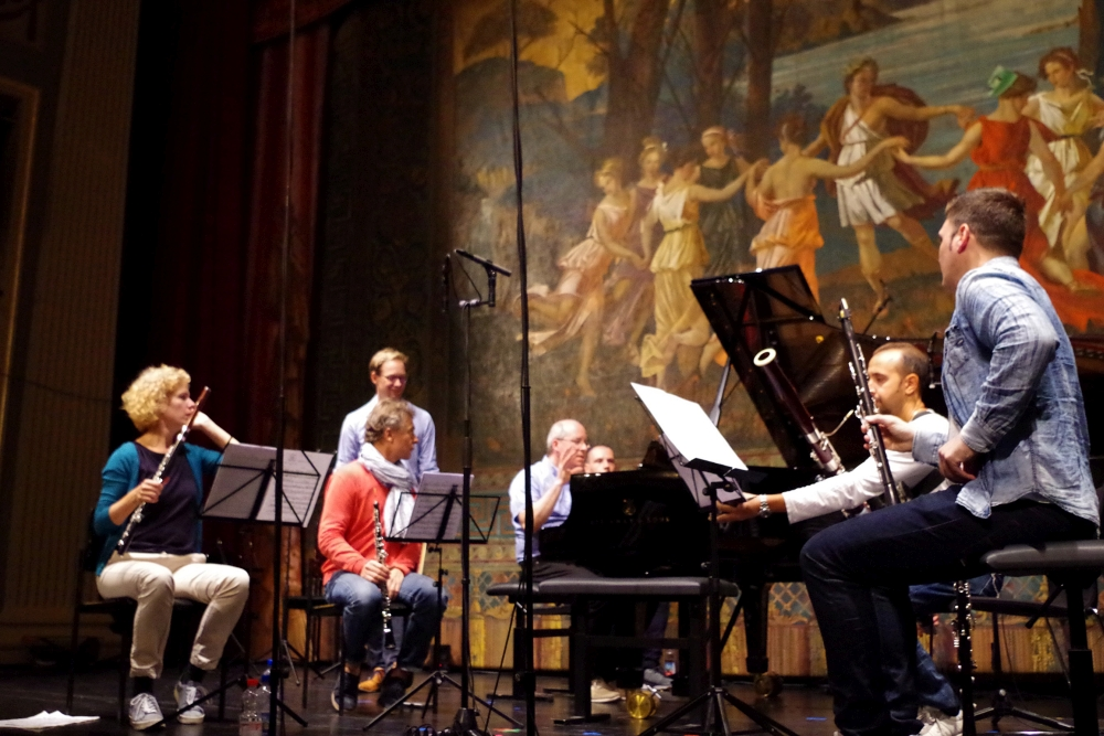 27.9.2018 – Konzert: ... noch eine Ansage vom Pianisten ... (Foto: Christine Tröger)