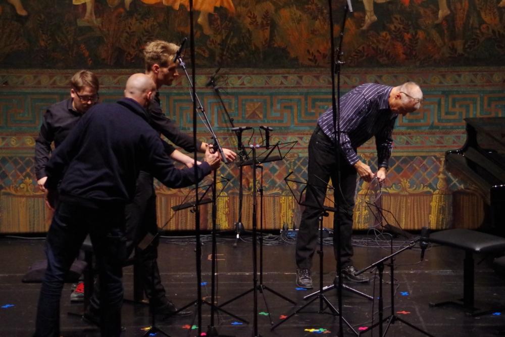 27.9.2018 – Konzert: Vorbereitungen von Bühnenteam und den Tonmeistern vom Bayerischen Rundfunk ... (Foto: Christine Tröger)