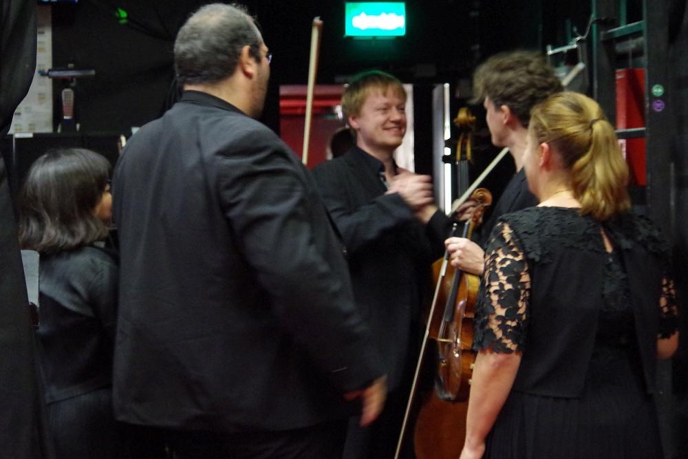 27.9.2018 – Konzert: ... Glückliche Künstler nach der Aufführung. (Foto: Christine Tröger)