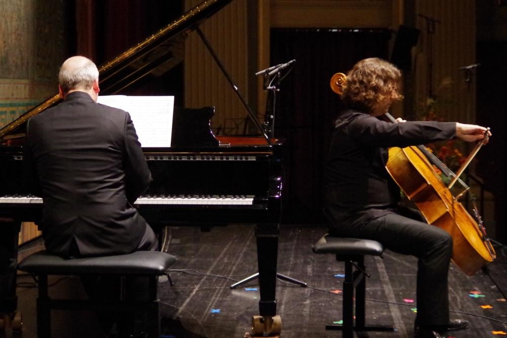 27.9.2018 – Konzert: Hochvirtuoses für den Cellisten Justus Grimm begleitet von Oliver Triendl, bei den »Rossini Variationen« von Bohuslav Martinu. (Foto: Christine Tröger)
