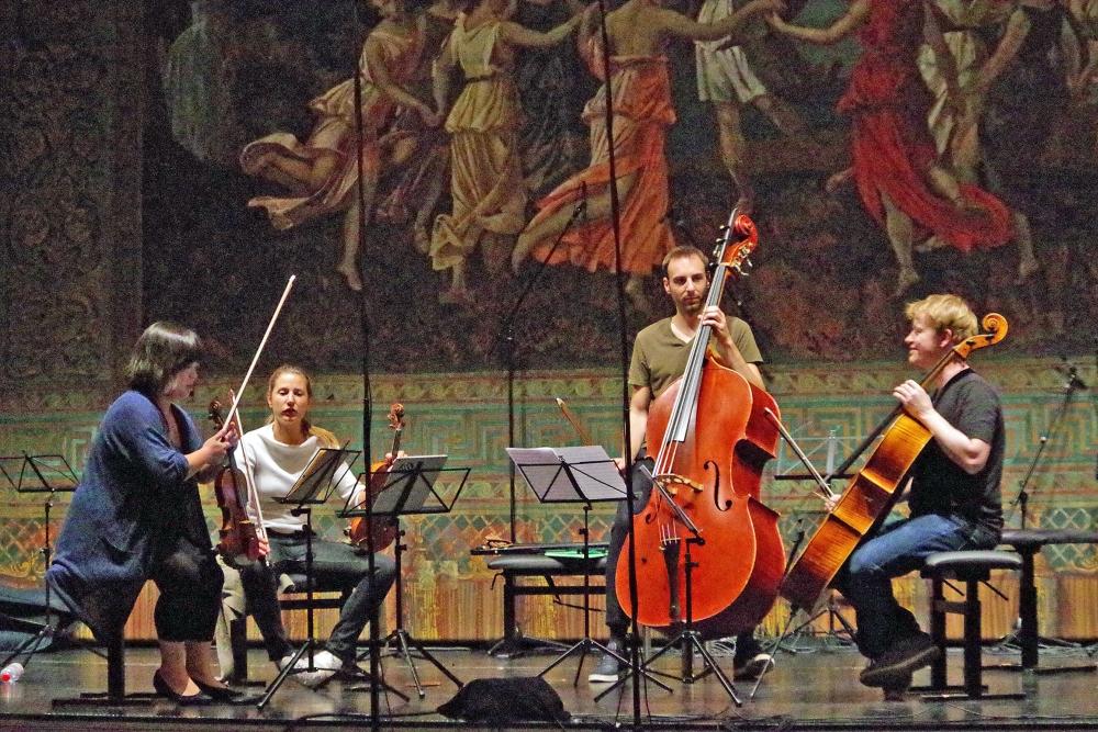 28.9.2018 – Proben: Yura Lee (Viola), Rosanne Philippens (Violine)Olivier Thiery (Kontrabass) und Mischa Meyer (Violoncello) (Foto: Christine Tröger)