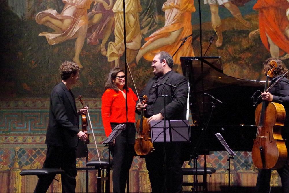 28.9.2018 – Konzert: ... mit der Komponistin selbst am Klavier ... (Foto: Christine Tröger)