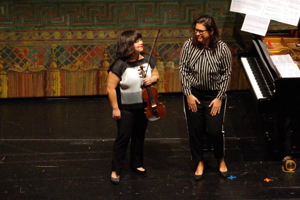 29.9.2018 – Konzert: ... und die Künstlerinnen freuen sich. (Foto: Christine Tröger)